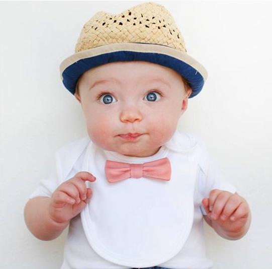 Mẹ có biết là nên cho bé ăn dặm khi tròn 6 tháng tuổi, bởi vì trước đó hệ tiêu hóa của bé chưa phát triển hoàn thiện nên rất dễ xảy ra tình trạng táo bón, tiêu chảy, rối loạn tiêu hóa...