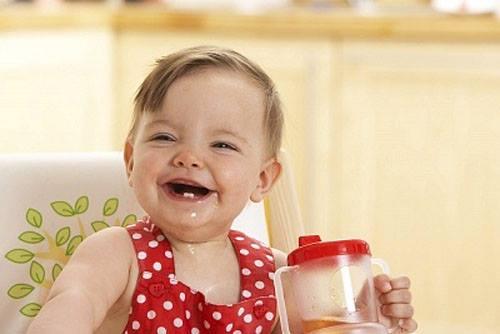 Lưu ý khi cho trẻ uống nước trái cây